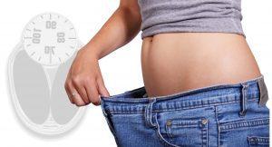 Frau hat Gewicht verloren